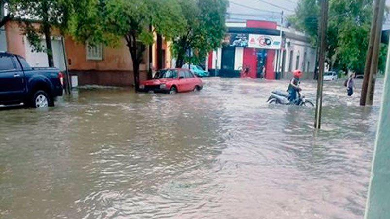 Trágico temporal en Córdoba: una mujer murió arrastrada por el agua en  Villa Carlos Paz